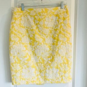 Yellow and white floral Ann Taylor skirt size 8